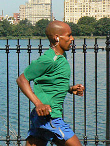 "The image ""http://www.marathonguide.com/news/exclusives/USAMenOlympicTrials_2007/images/Meb2.jpg"" cannot be displayed, because it contains errors."
